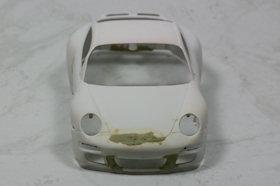 Porsche 997 body geplamuurd