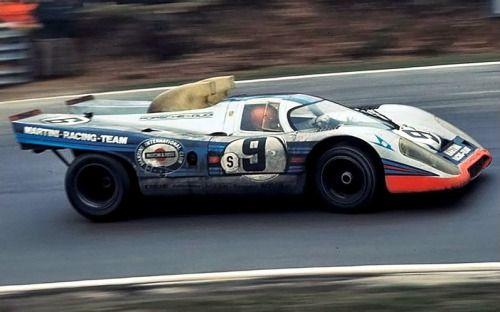 Gijs van Lennep in de Porsche 917K tijdens de 1000 km Brand Hatch 1971